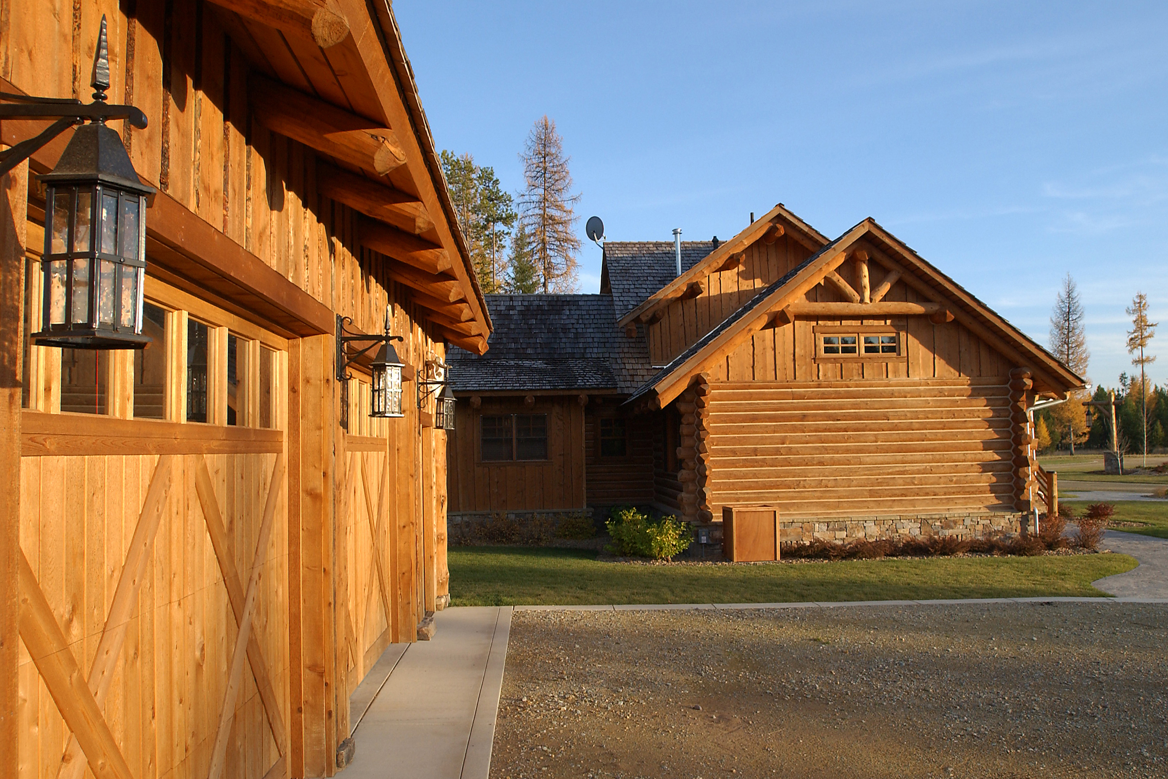 Coles cabin garage rocky mountain homes for Rocky mountain home builders