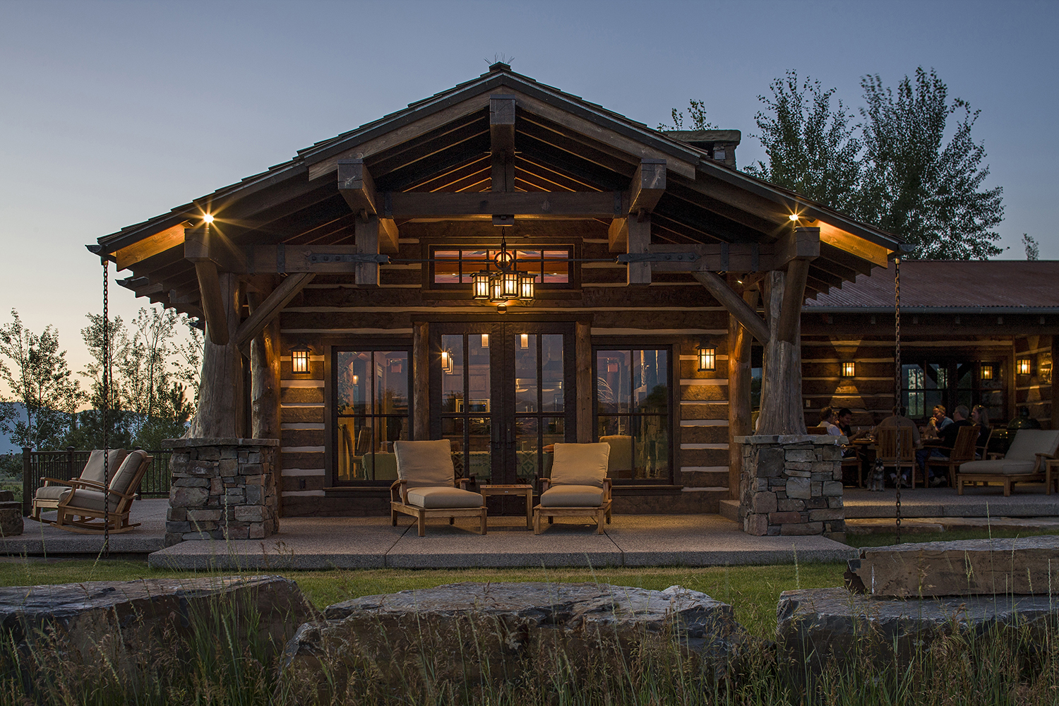 Superbe Mountain Timber Frame Patio