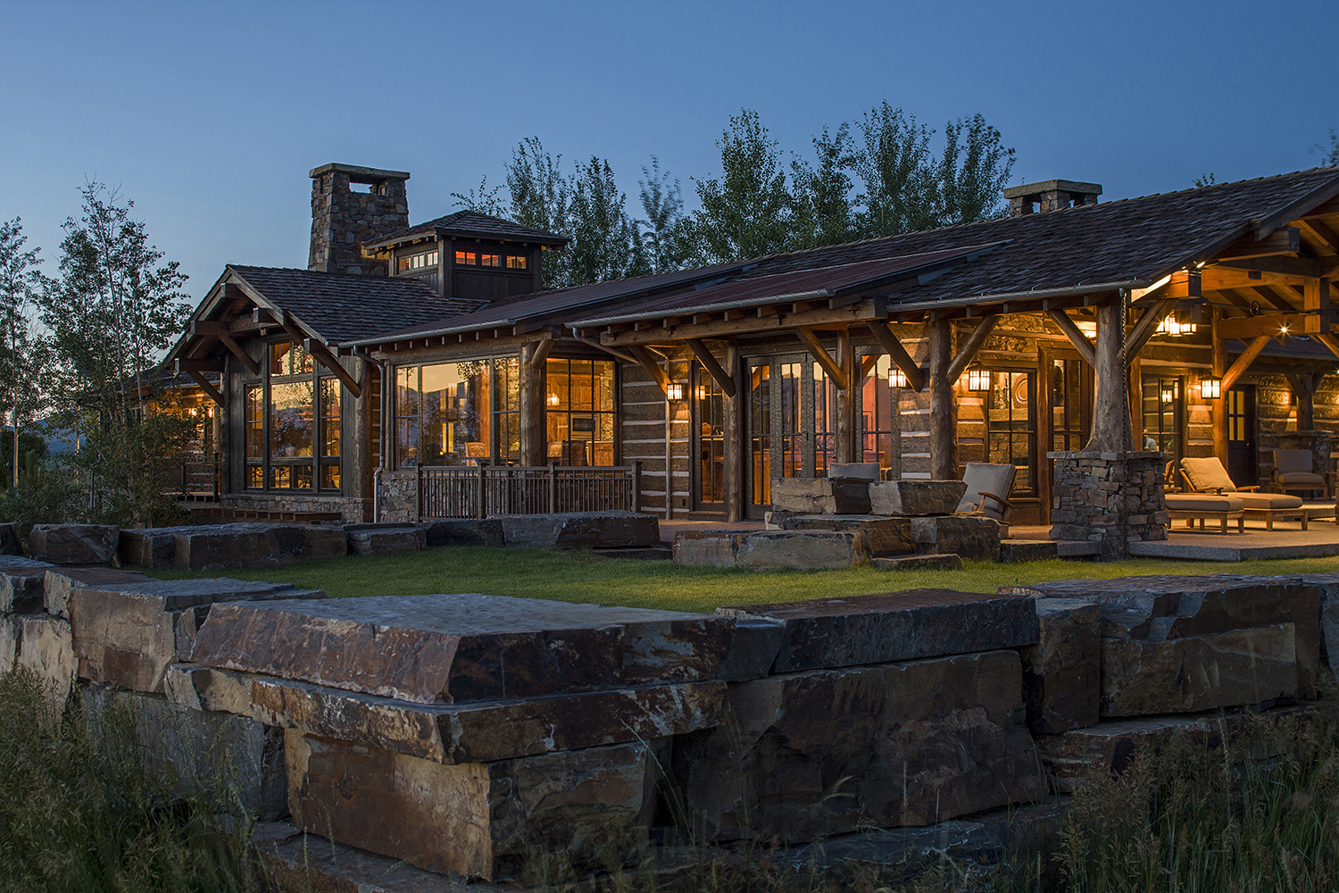 Mountain timber frame exterior side rocky mountain homes for Rocky mountain home builders