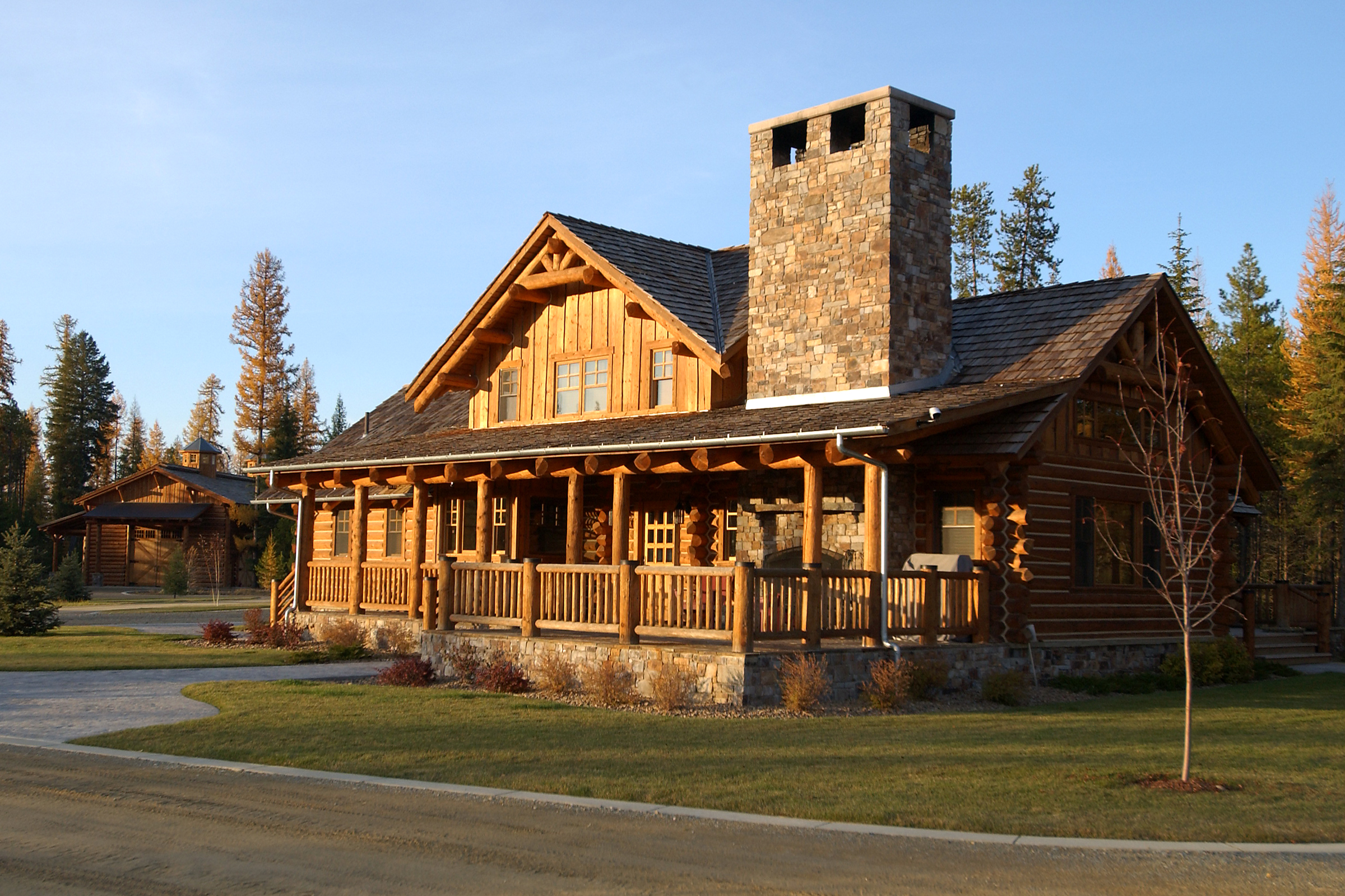 Mountain cabin exteriors timber frame timber frame home for Rocky mountain home builders