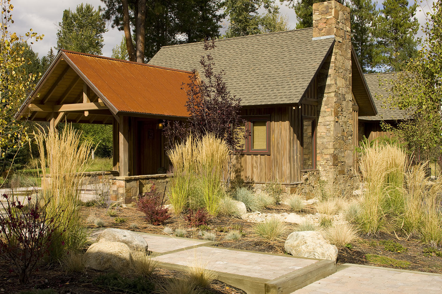 Mssie guest house rocky mountain homes for Rocky mountain home builders
